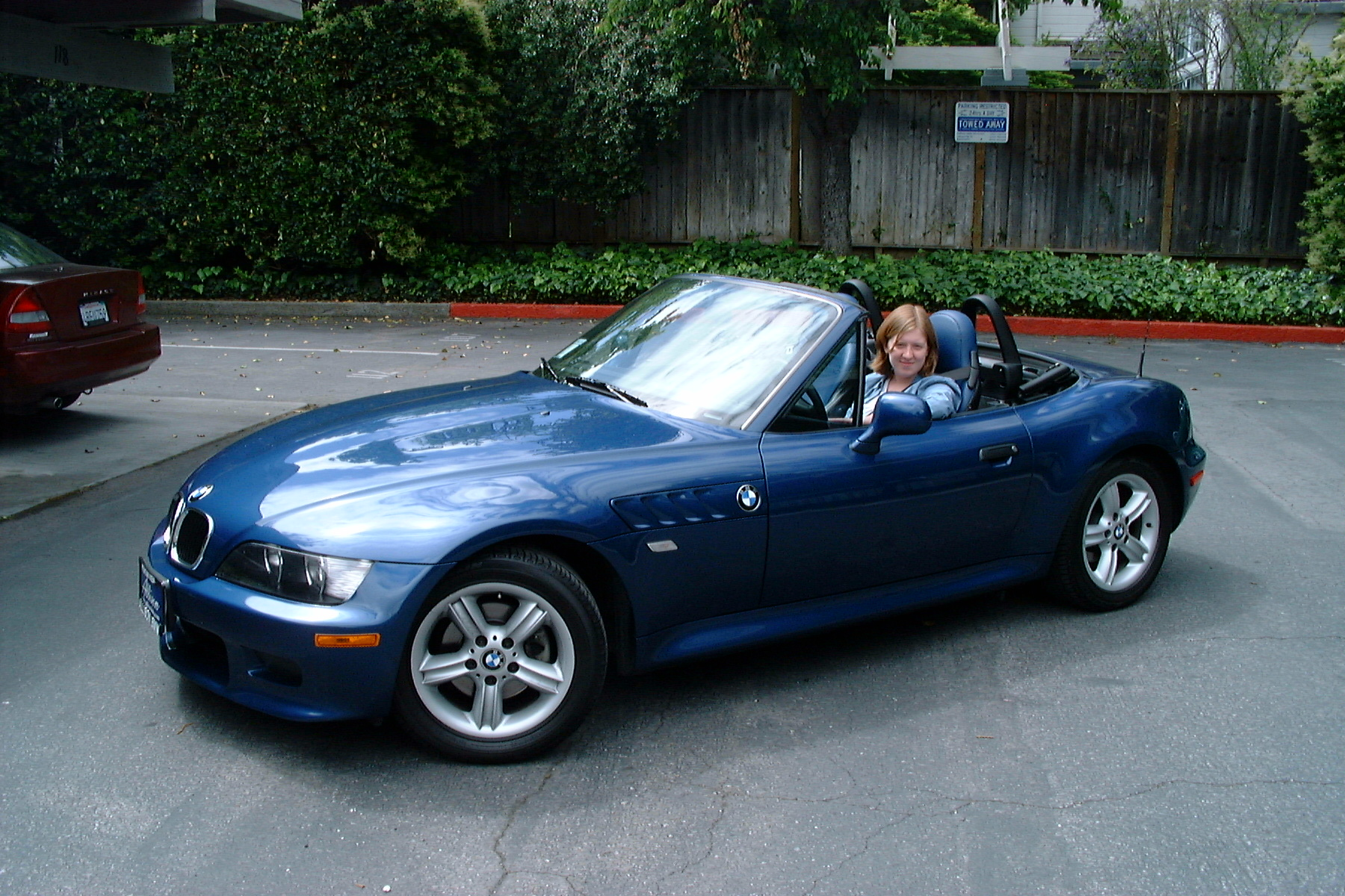 2000 BMW Z3 2.5L 6cyl Warrantied to May 2007 & Below Market Value!